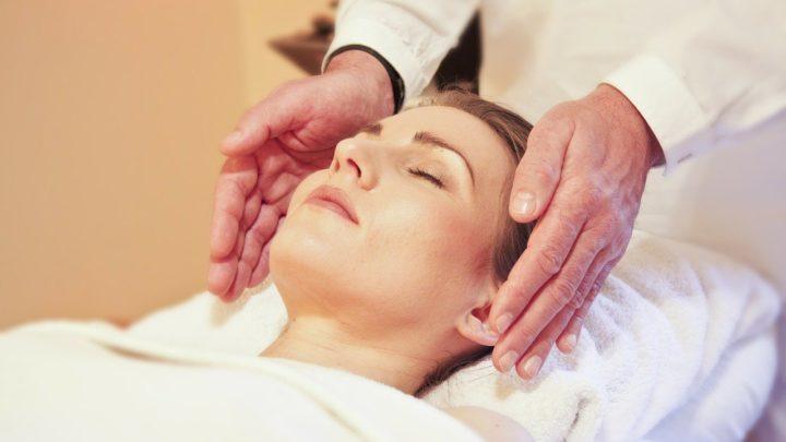 Le massage: un soin liftant par excellence